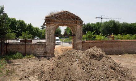 En marcha la rehabilitación de los muros y portones de acceso a las huertas del Palacio