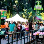 La ofrenda floral a la Virgen, la orquesta Evasión y juegos y espectáculos para niños, centraron la programación festiva de ayer