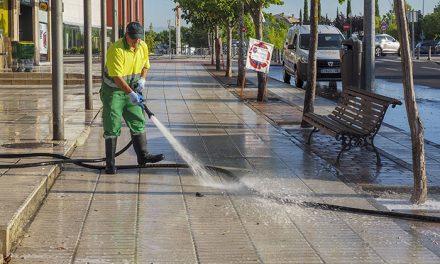 Continúan las limpiezas especiales en las avenidas de Nuevo Mundo e Isabel de Farnesio