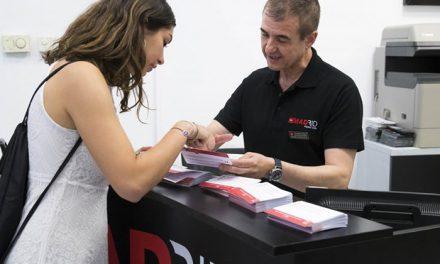 La Comunidad de Madrid distrubuye a los turistas tarjetas traducidas para que informen si padecen alergias alimentarias