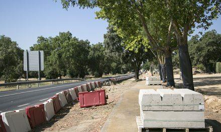 Comienzan las obras de ampliación del aparcamiento ubicado frente al Polideportivo Municipal