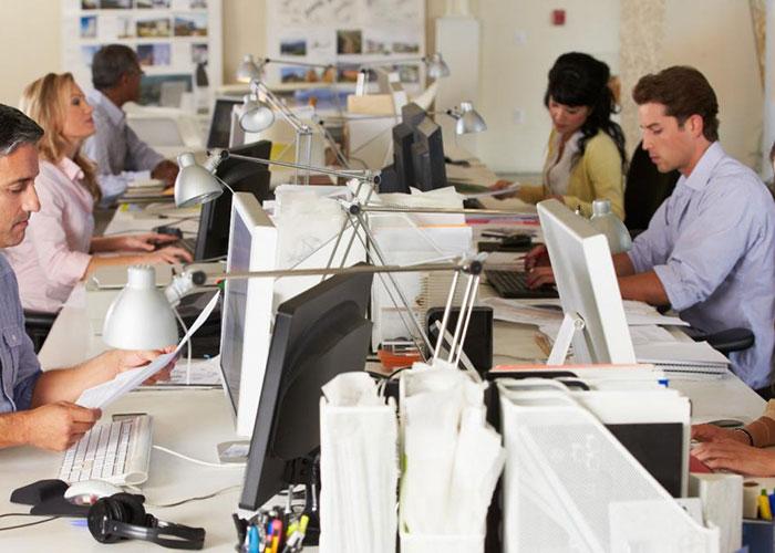 El paro en la Comunidad baja en 45.900 personas y logra la menor tasa de desempleo de la década