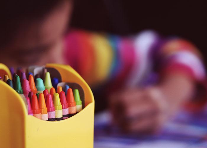 El curso escolar comenzará con 800 profesores más y la creación de 7.750 plazas educativas