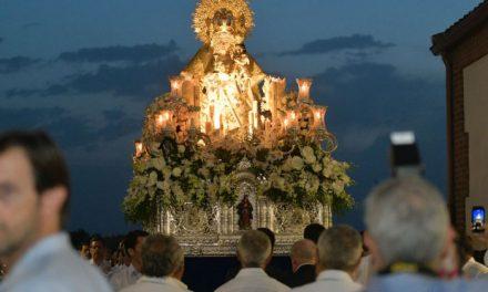 Pozuelo de Alarcón rinde honores a su Patrona y con la Solemne Procesión por el centro de la ciudad