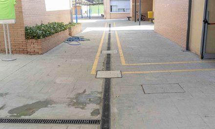 El Ayuntamiento realiza obras de mejora en el CEIP Federico García Lorca