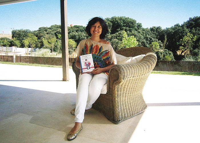 Leyre Contreras nos enseña su alma con su libro 'Amor, valor y sonrisas'