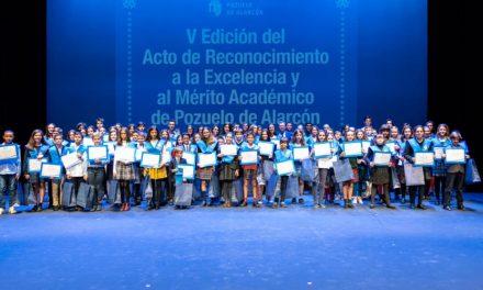 El Ayuntamiento premia la Excelencia y Mérito académico de los mejores estudiantes de Primaria y de Secundaria