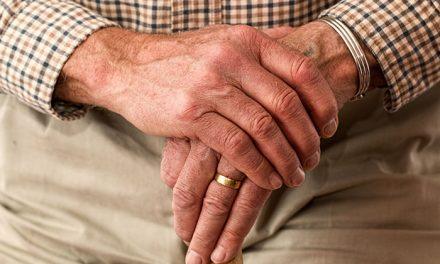 La Comunidad de Madrid garantiza el mantenimiento de 581 plazas de atención a personas mayores
