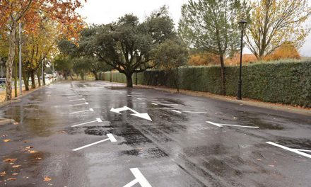 Finalizada la construcción de 66 nuevas plazas de aparcamiento frente al polideportivo Ángel Nieto