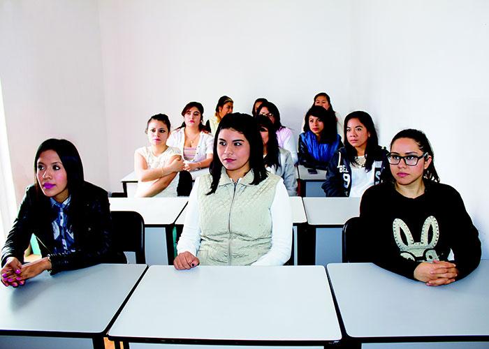 La Comunidad de Madrid facilita la integración de alumnos extranjeros gracias a 80 aulas de enlace