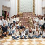 Modestia Aparte y alumnos de la Escuela Municipal de Música felicitan la Navidad con un villancico grabado en el Palacio