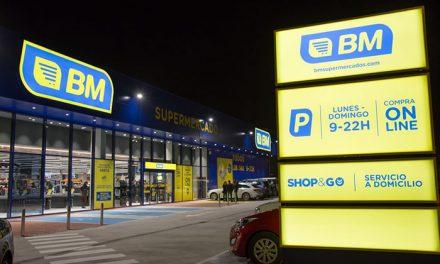 Casi un tercio de la plantilla del supermercado BM abierto ayer en Boadilla se ha contratado por SILBO