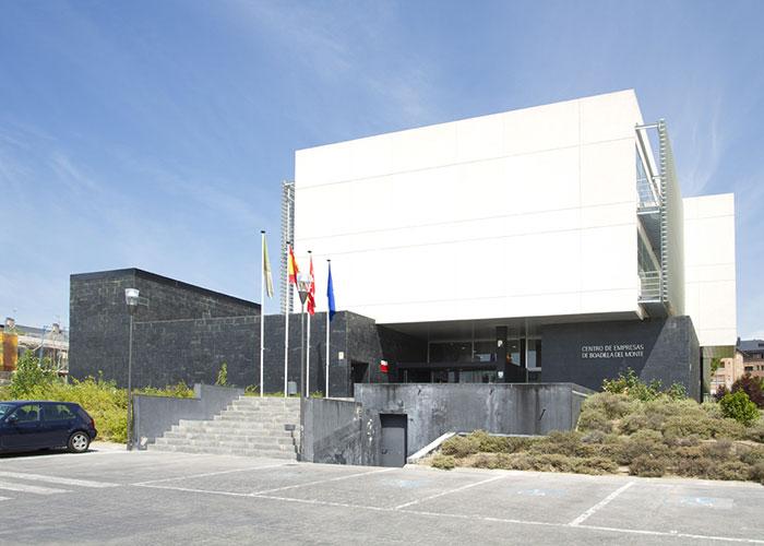 El Centro de Empresas ofrece doce despachos profesionales y tres puestos de autónomos