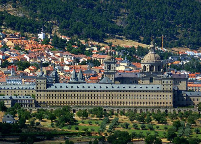La Comunidad promociona los atractivos turísticos de la región en el resto de España