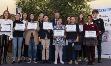 """El Ayuntamiento de Pozuelo de Alarcón entrega los Premios del concurso escolar de ensayo """"Manuel Martín Ferrand"""""""