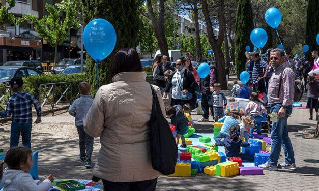 El Día de la Familia congregó a cientos de personas en la Avenida de Europa de Pozuelo de Alarcón