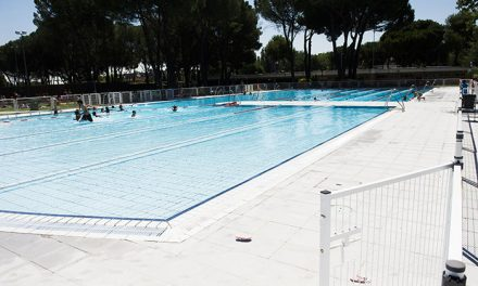 La piscina de verano del polideportivo Carlos Ruiz de Pozuelo de Alarcón abre su temporada de baño el próximo sábado 15 de junio