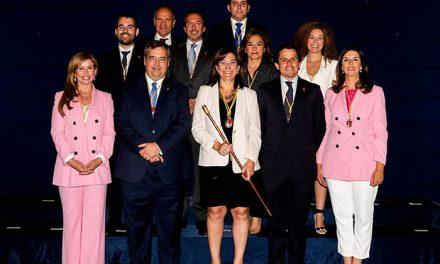 La alcaldesa de Pozuelo de Alarcón firma el Decreto de concejalías del nuevo Equipo de Gobierno
