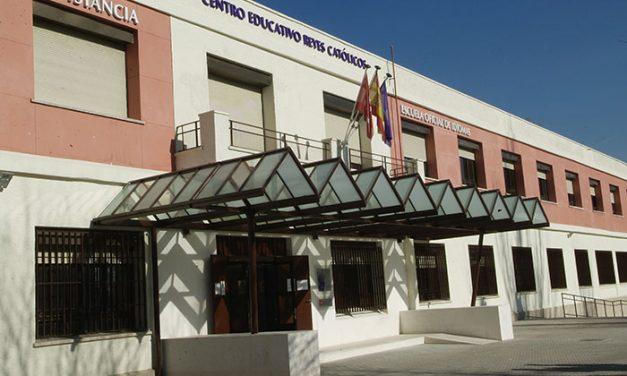 Abierto el plazo de solicitud para los cursos de Formación Municipal de Adultos del Centro Educativo Reyes Católicos