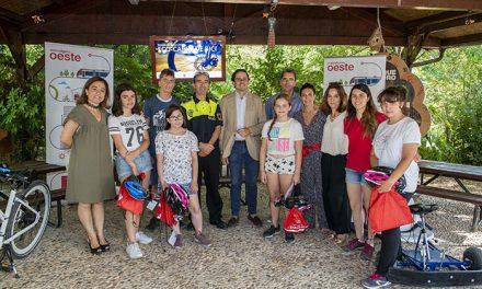 Los alumnos de la escuela de verano Eco-carné de bici del Aula de Educación Ambiental de Pozuelo finalizan sus clases