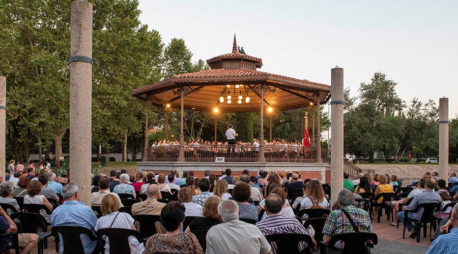 La Banda de Música La Lira de Pozuelo de Alarcón brilló en su concierto en el ecuador de las fiestas de la Virgen del Carmen