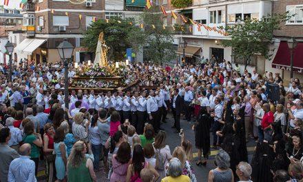 La solemne procesión, la limonada popular y los fuegos artificiales pusieron el broche de oro a las fiestas de La Estación