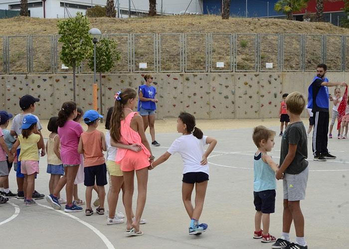 Servicios Sociales ha becado a 31 menores en los campamentos de verano municipales