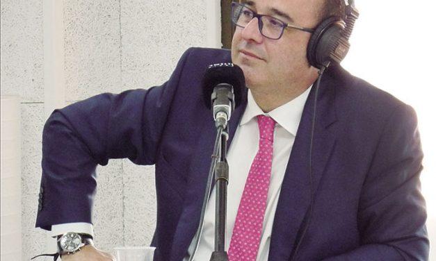 Isaac Palomares, director del programa 'Cruce de Caminos' en Radio Inter