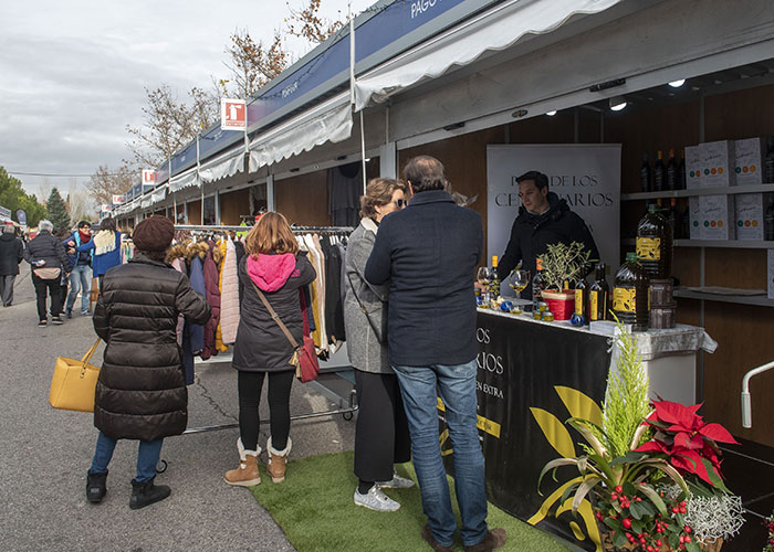 Los comerciantes de Pozuelo ya pueden presentar la solicitud para participar en la próxima Feria del Regalo Navideño
