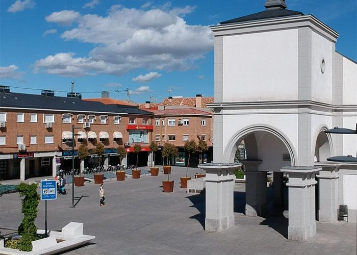 El Ayuntamiento da un paso más en la mejora del centro de Pozuelo con la próxima instalación de una cubierta textil en la Plaza del Padre Vallet