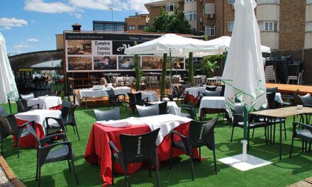 El restaurante La Abuela Lola inaugura el verano con su gran terraza con chill out