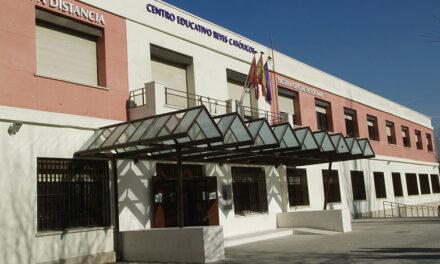 Los alumnos del Centro Municipal de Formación de Personas Adultas podrán renovar automáticamente las plazas para el próximo curso