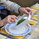 El Ayuntamiento de Pozuelo seguirá ofreciendo el servicio de comida a domicilio, mejorado, para aquellas personas que más lo necesitan