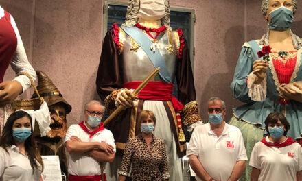 """Jornadas de puertas abiertas de la Comparsa de Gigantes y Cabezudos en su iniciativa """"Te invitamos a conocer nuestra Casa Museo"""""""