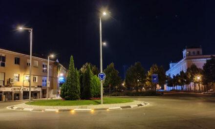 Mejora el alumbrado de la glorieta de la calle Mártires