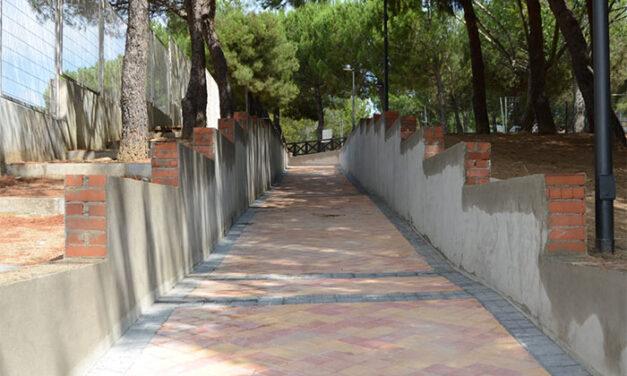 Continúan las obras de remodelación de la rampa que une la calle Albarracín con la calle Sigüenza