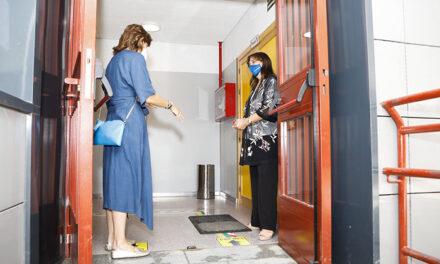El Ayuntamiento de Pozuelo incorpora más personal de limpieza en los colegios y aumenta las horas notablemente