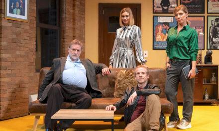 Los actores José Luis Gil, Pepón Nieto, Eva Isanta y el grupo Yllana, en la nueva temporada del MIRA Teatro de Pozuelo