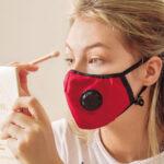 El uso prolongado de la mascarilla  afecta a la salud y el aspecto de los ojos