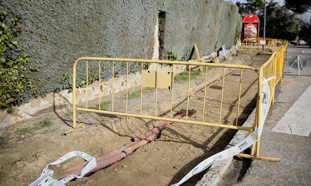 El Ayuntamiento de Boadilla continúa con los trabajos de acerado en las urbanizaciones históricas