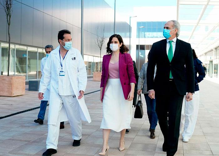 La Comunidad de Madrid comienza a vacunar este jueves a los mayores de 80 años en los centros de salud