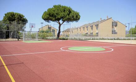 Abierta la nueva pista para fútbol sala y baloncesto de Cabo de Peñas
