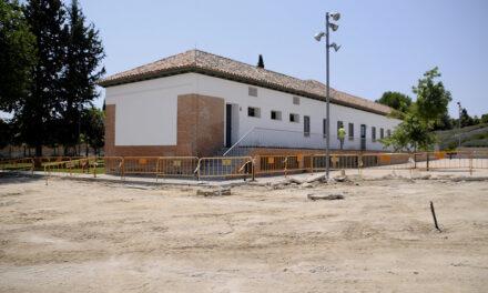 El Ayuntamiento remodela la zona de aparcamiento del Aula Medioambiental