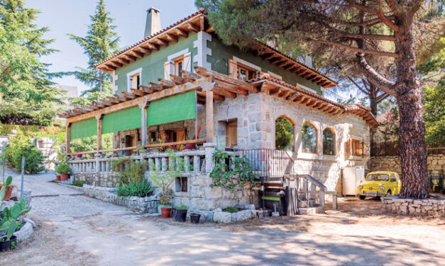 Una casa de piedra con corazón cálido de hogar
