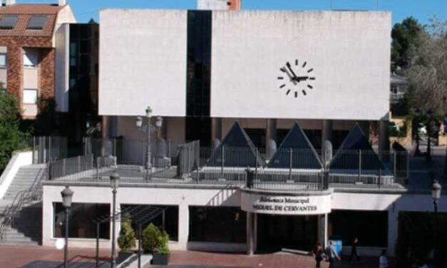 El Gobierno municipal ampliará los fondos electrónicos de las bibliotecas municipales en los próximos años